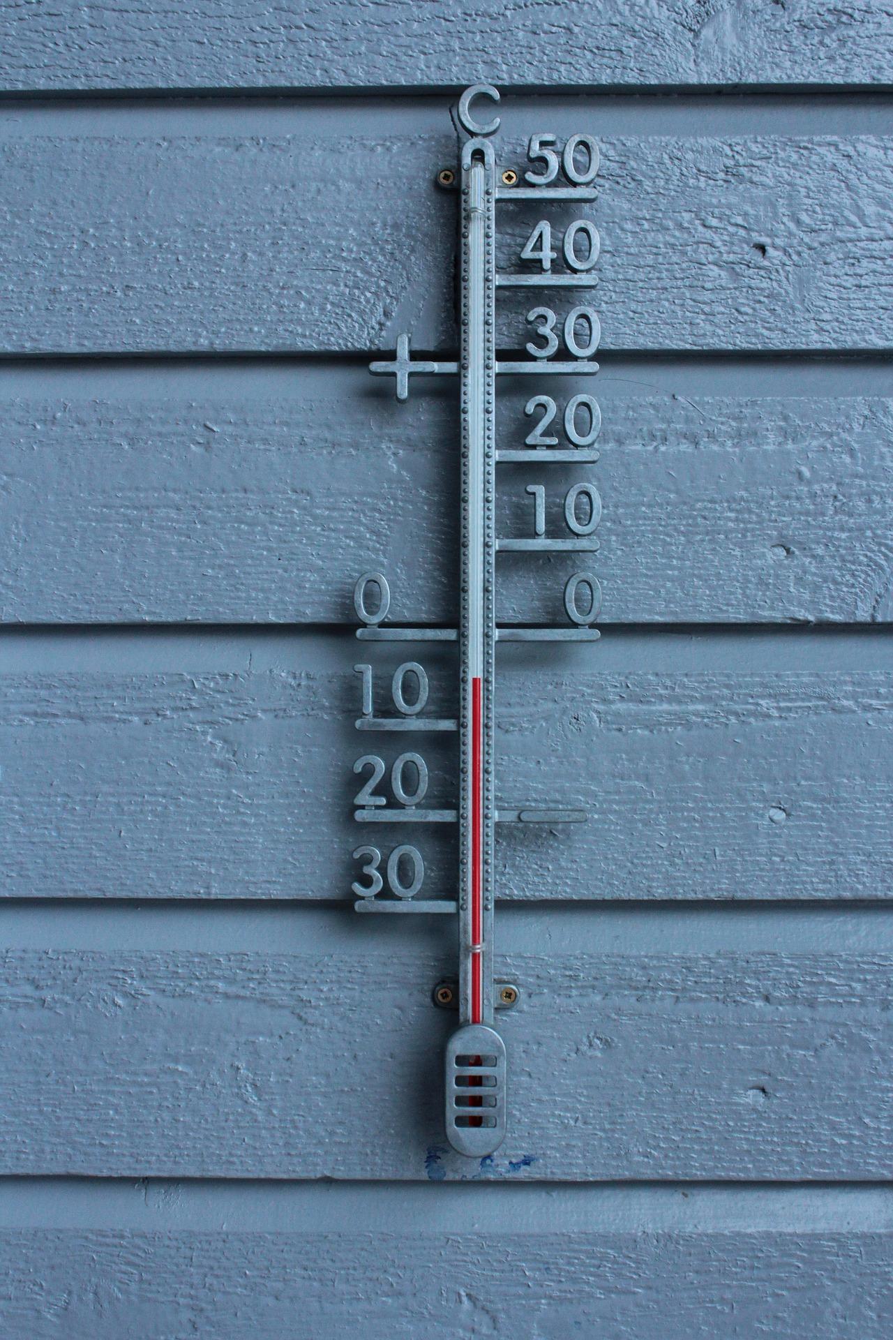 Lämpömittari talvella. Pixabay.